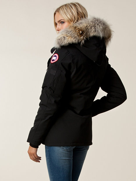The Biggest Bit – Picking and Packing my Outer Layers(Coats)